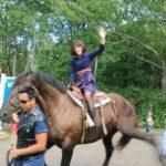 【衝撃映像】馬の後ろにはご注意ください